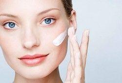 Для чего нужна основа под макияж, и как правильно наносить это средство