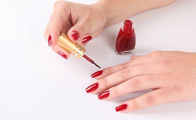 Как правильно покрасить ногти в домашних условиях