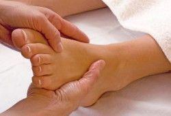 Уплотнение на ноге под кожей — что делать?