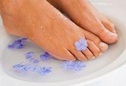 Как избавиться от огрубевшей, дряблой и гусиной кожи на ногах?