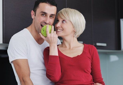 Секс мужчина старше женщину вдвоем