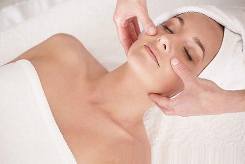 Моделирующий массаж лица