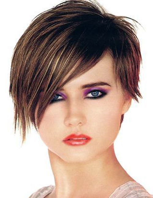 Стрижки на короткие волосы для круглого лица