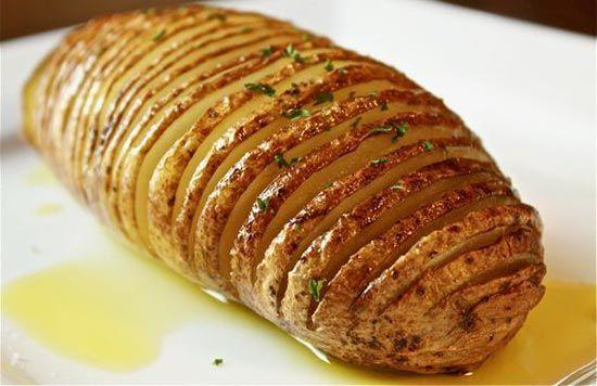 Запеченная в духовке картошка в мундире