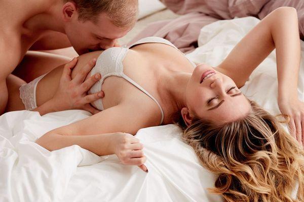 Титьки порно жаркие оральные ласки порно