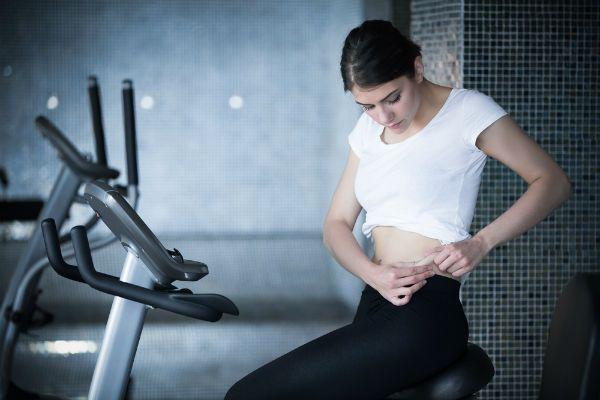 Как убрать жир с нижней части живота
