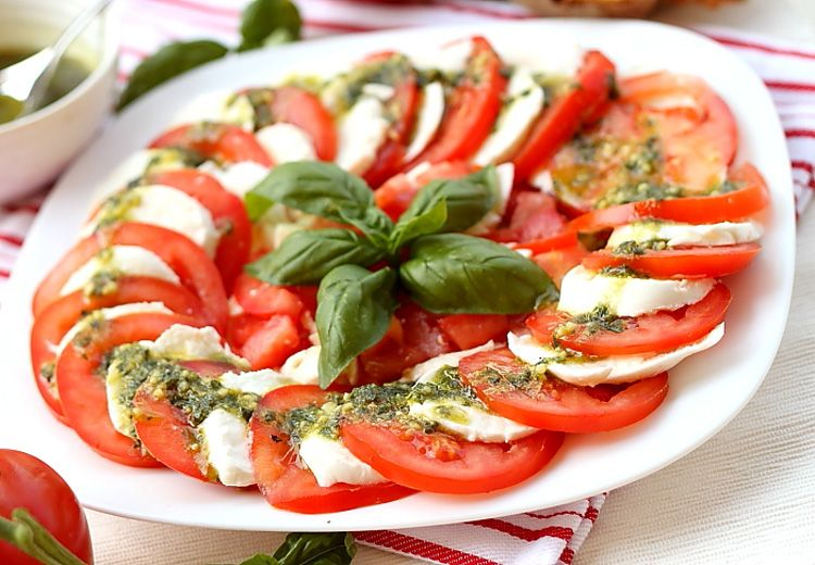 Салат капрезе рецепт